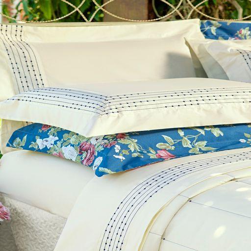 Kit-Porta-Travesseiro-Decorativo-Coton-Floral-Azul-Royal-Ione-Enxovais-2-pecas-