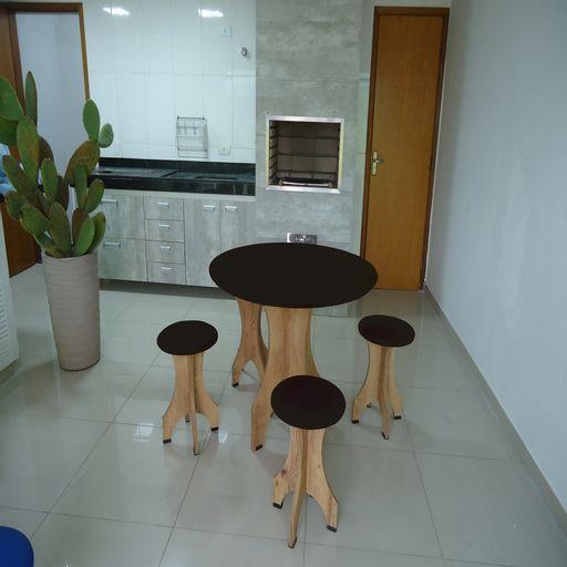 Conjunto-de-Mesa-78-cm-com-4-Banquetas-Rubi-de-Madeira-Antigua-com-Assento-Estofado-Preto-Cestari